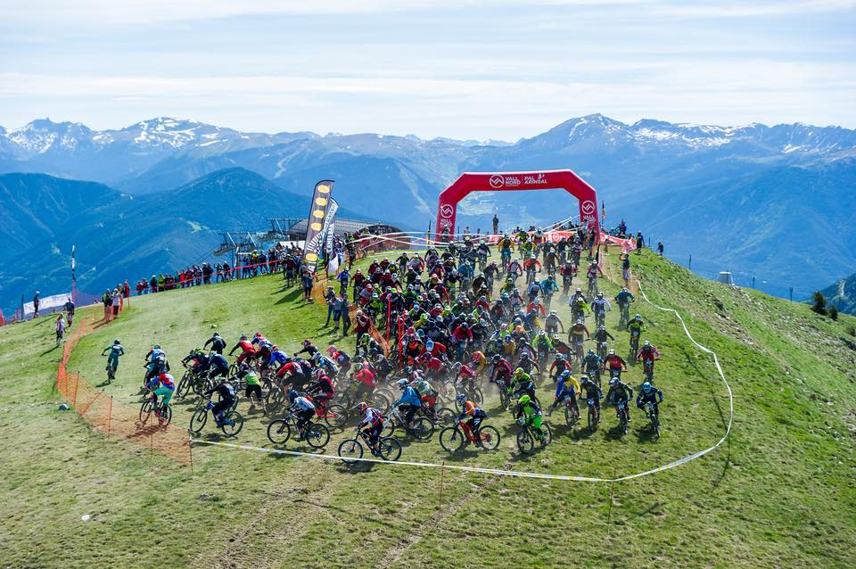 An aerial view of the mass start for the Maxiavalanche Vallnord.