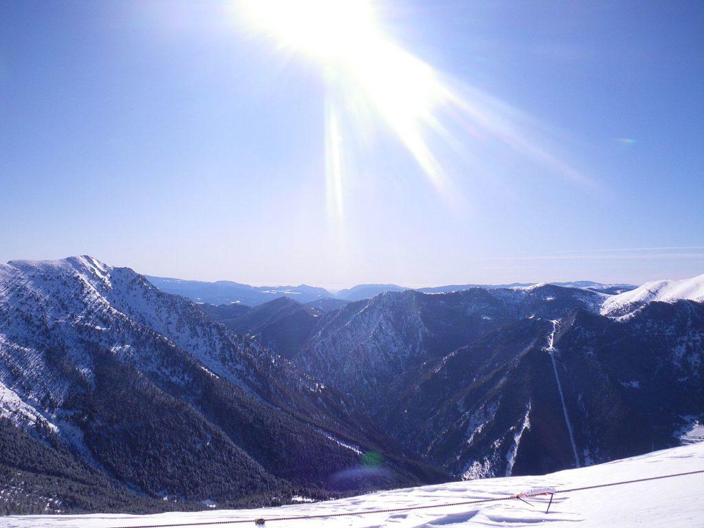 Al final de un día en las hermosas laderas cerca de Arinsal, encontrar un lugar perfecto para esquiar es una alta prioridad.