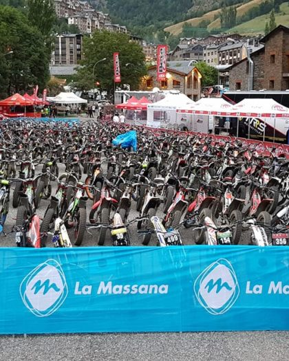 santmoritz_image_Bikes ready and waiting for the Arinsal 2 Day Trial