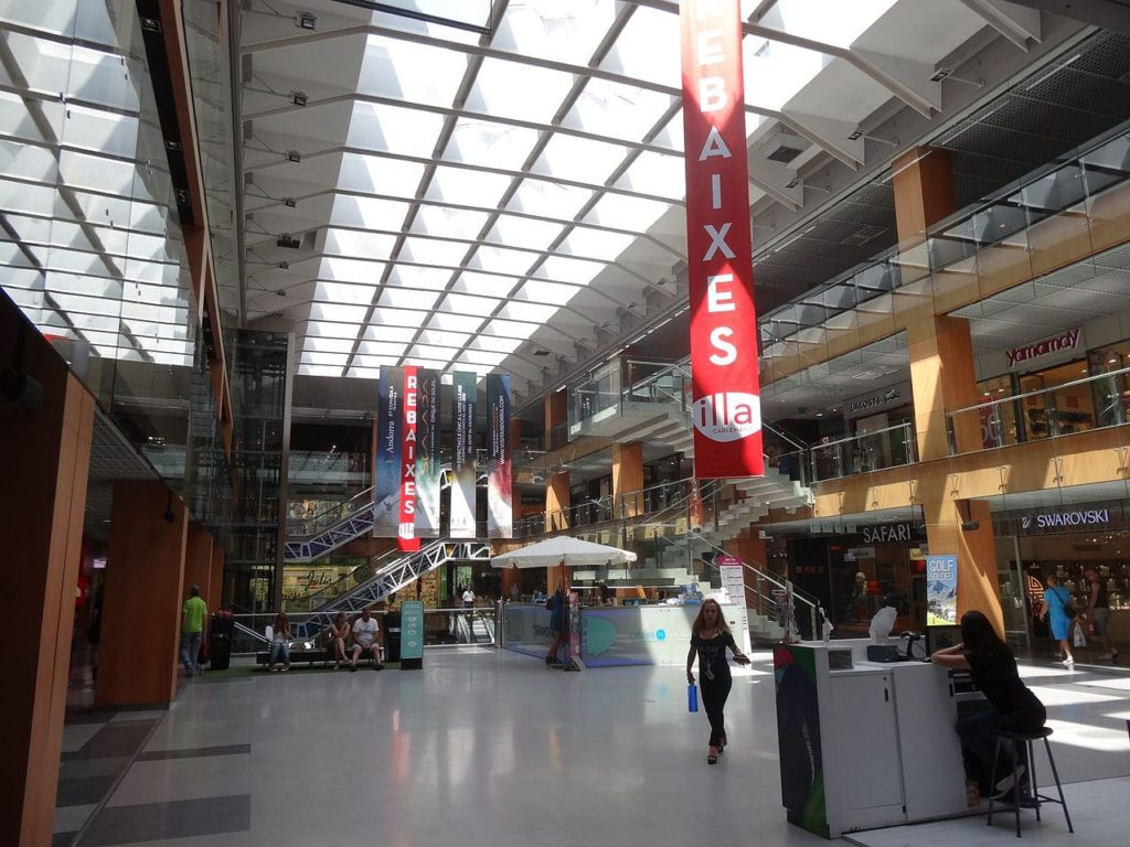 An interior view of the popular Illa Carlemany shopping centre.