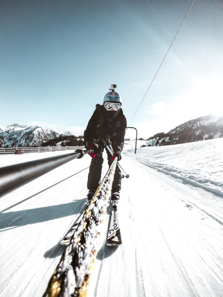There are plenty of opportunities to take impressive photos while skiing at Arinsal.