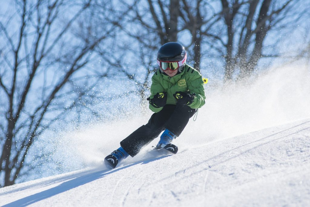 Between the ski schools, specials runs for children and slopes at various levels, Arinsal is well-suited as a ski holiday spot for the whole family.
